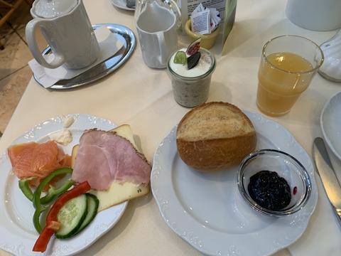 ガストホフ ツア ミューレ 朝食