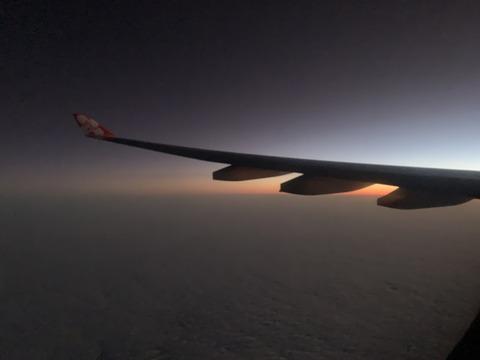 D7 1便 機内から