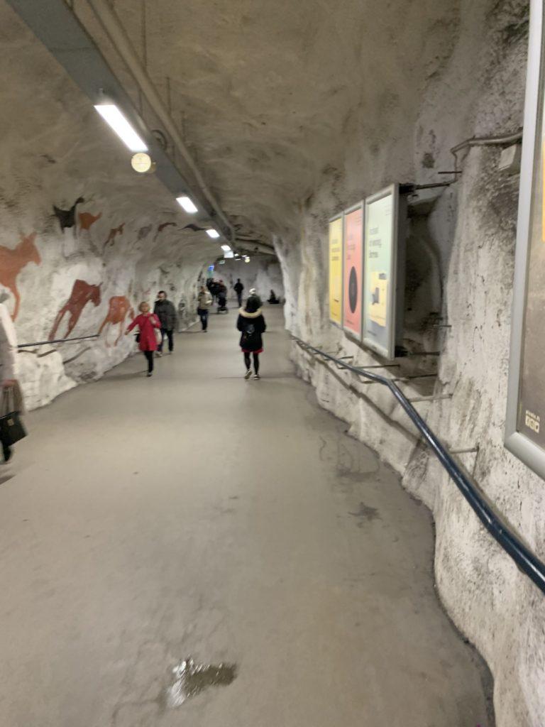 ヘルシンキ 地下道