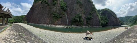 古座川 一枚岩