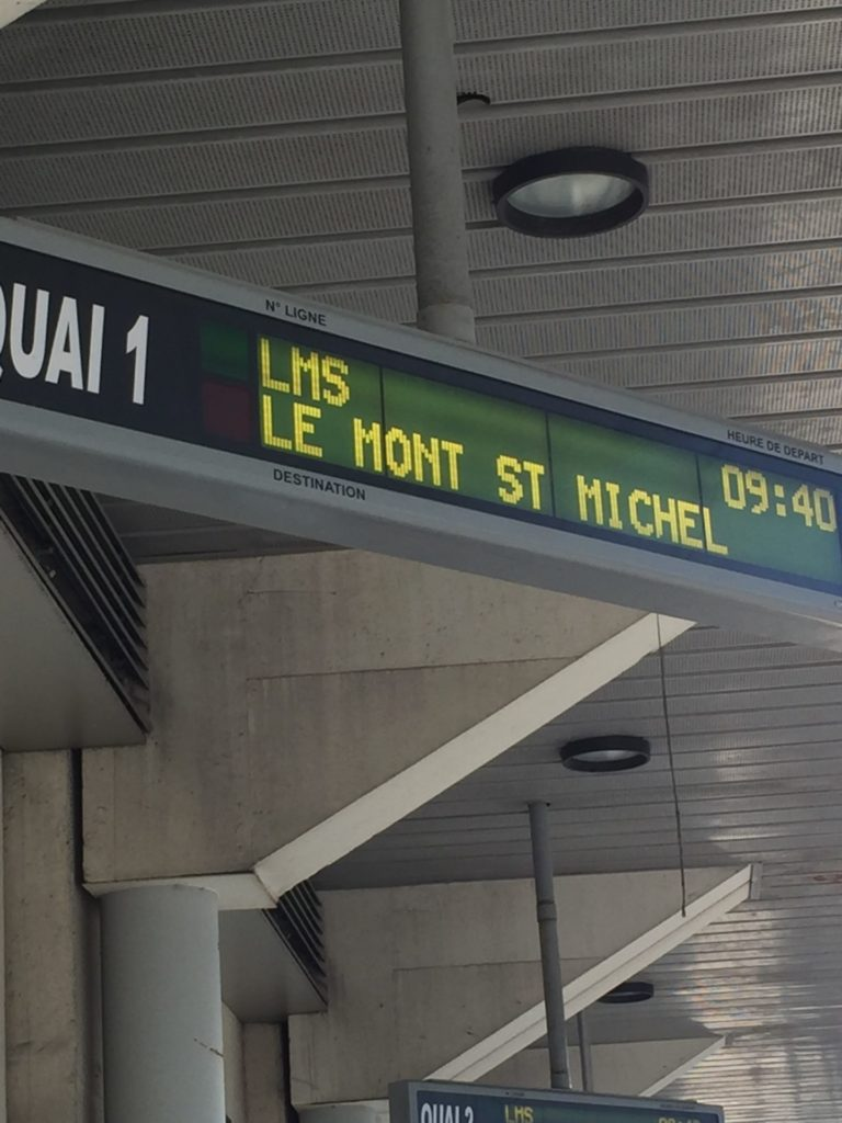 モンサンミッシェル行きのバス