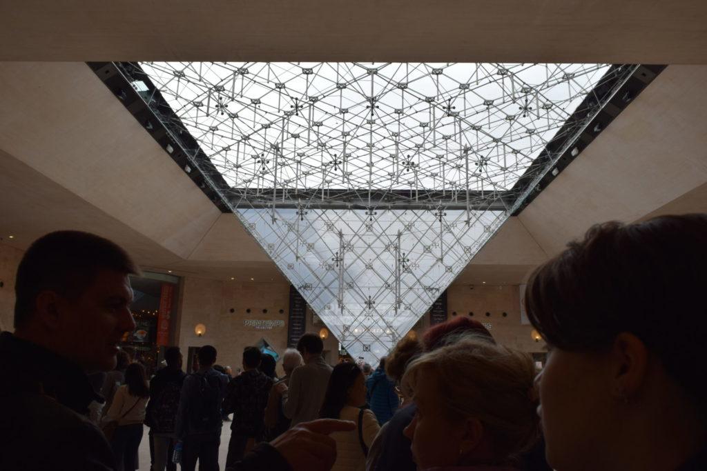 ルーブル美術館 エントランス